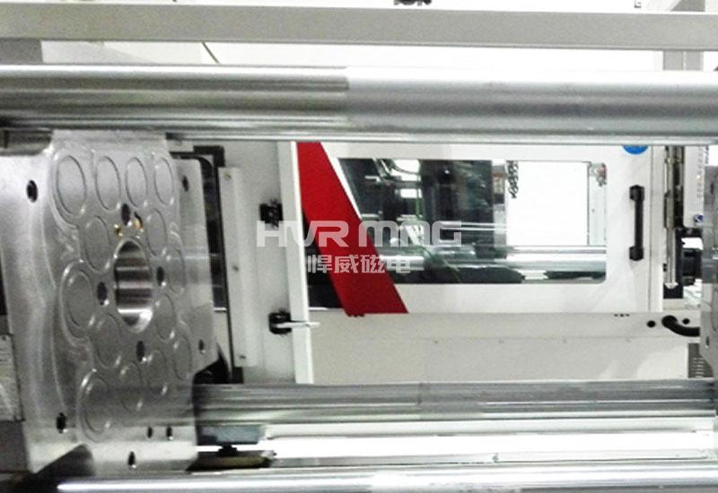 小吨位注塑机磁力模板