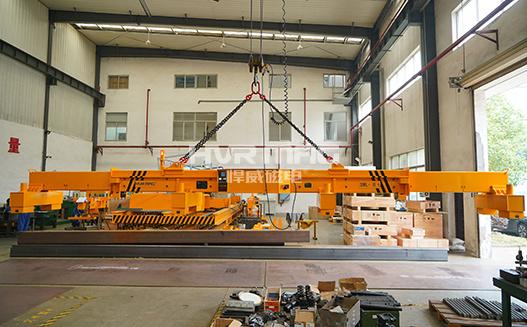 HM2_伸缩梁吊运中厚钢板吊具