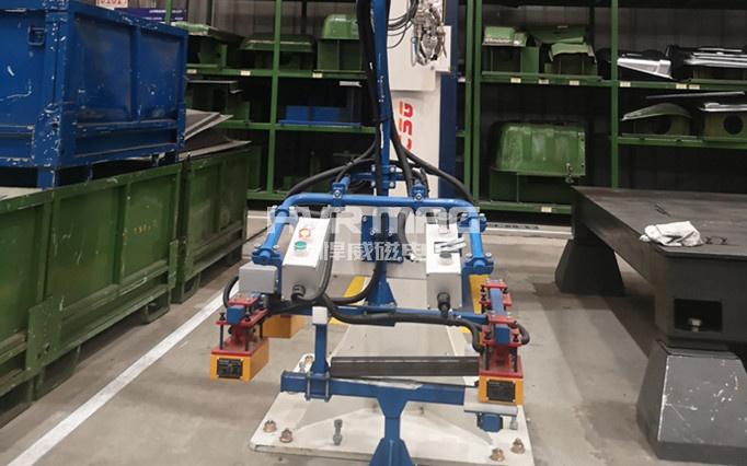 机械臂磁力抓手搬运50公斤重框架类钢件